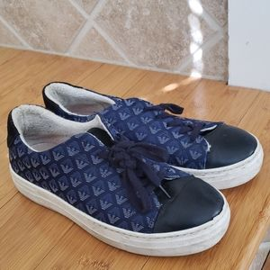 Armani Junior sneakers size US 9 EU 40
